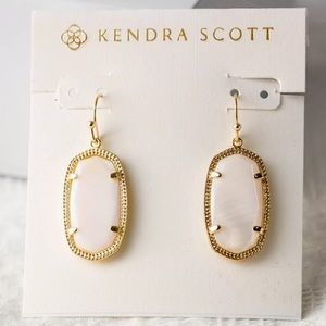 NEW✨ Kendra Scott Dani Gold Earrings White Pearl